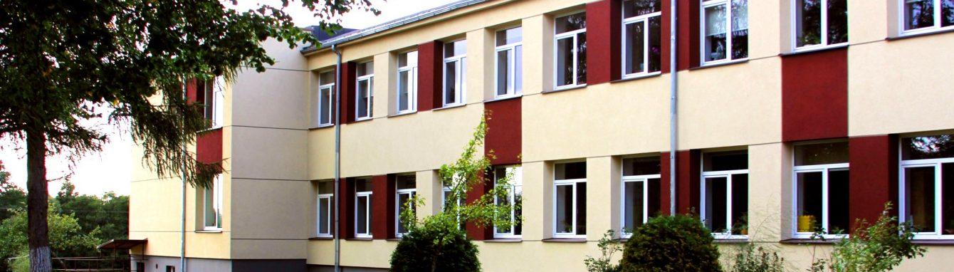 Vilniaus r. Bezdonių Julijaus Slovackio gimnazija